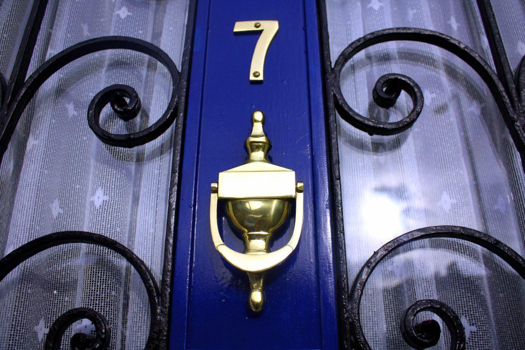 Edinburgh Holiday Guest House - Door